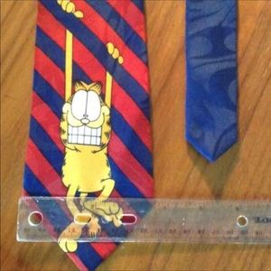 GARFIELD The Cat Odie Bundle Tie & Collectors Pin